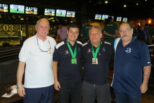 Ao centro, Daniel Murta & Renato Castellões, dupla 3.º lugar da 1.ª divisão