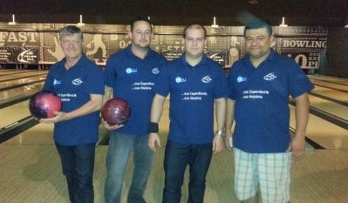 Os douradenses Chico Bonacina, Ivanaldo Lima, Helio de Freitas e Reginaldo Morel no Striker Barra no Rio de Janeiro