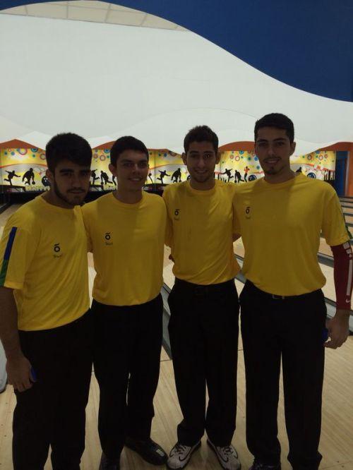 João, Thiago, Bruno e Bernardo