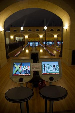 bowling_church1